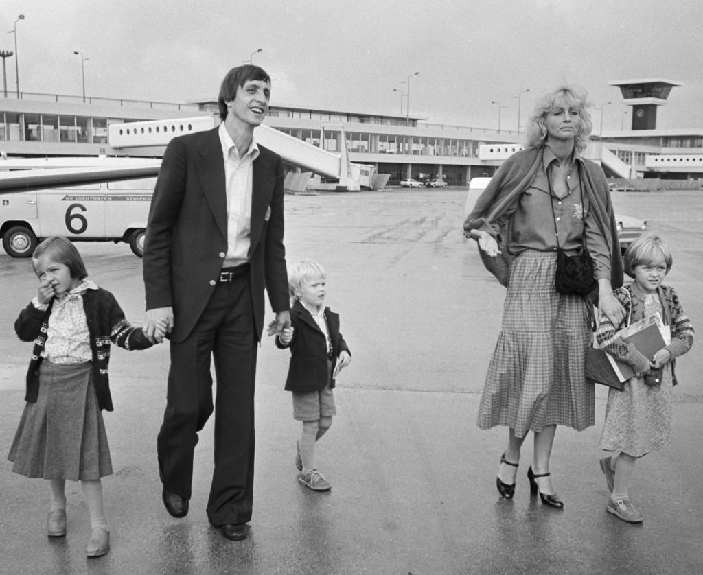 יוהן קרויף ומשפחתו, 1977