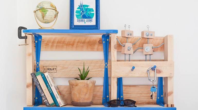 לבנות רהיטי קיר מרהיבים מעץ ממוחזר!