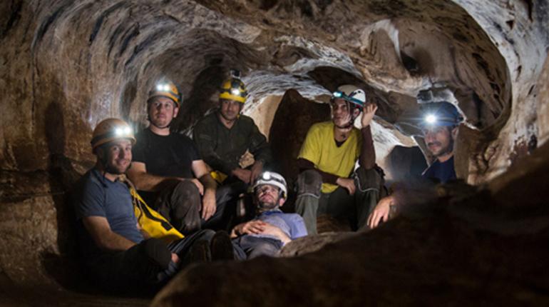 הרפתקה אתגרית - סולמות וגלישה על חבל במערת חריטון