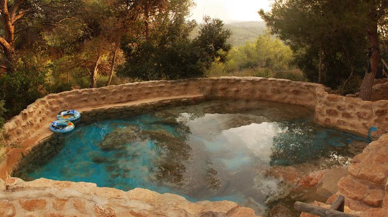 """פעילות למשפחות בחוה""""מ סוכות בהר הכרמל"""