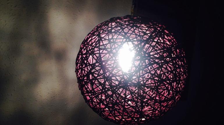 יצירת גופי תאורה מרהיבים וצבעוניים במו ידיכם