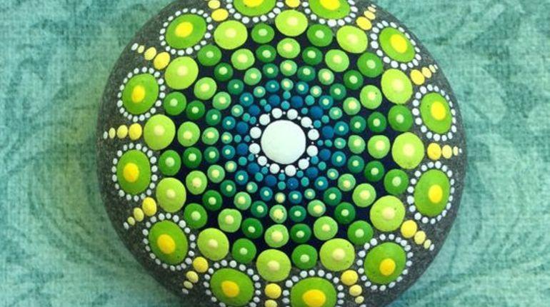 סדנת ציור על חלוקי נחל mandala stone