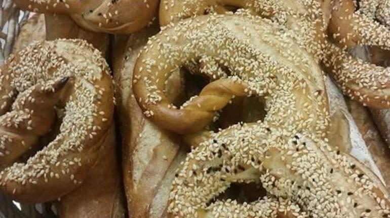 """סדנת """"לחם - עבודה"""": לחם כפרי של פעם ולחמניות פרעצל"""