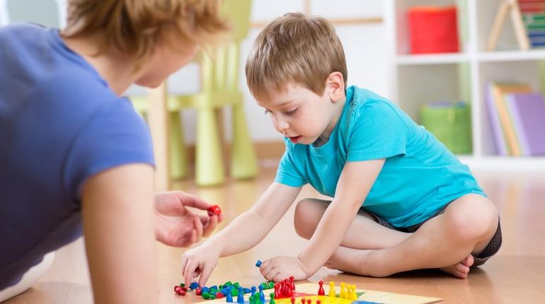 משחק ילדים - משחקי מחשבה וחוויה להורים וילדים